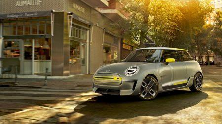 BMW хочет превратить Mini в сугубо электромобильный бренд на территории США. Ранее о таком же ходе заявил Smart