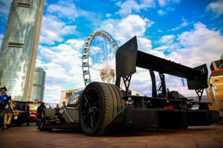 Гонщица и телеведущая Ники Шилдс обошла искусственный интеллект в квалификационном заезде чемпионата Formula E