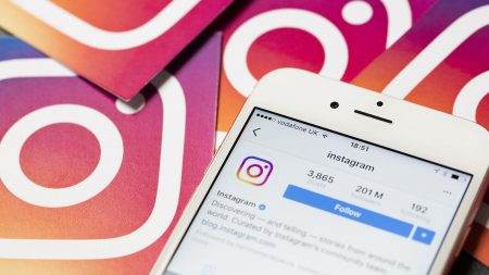 Instagram будет показывать предупреждение, если пользователь ищет фото с дикими животными, находящимися в неволе