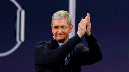 Совет директоров Apple обязал Тима Кука летать только частными самолетами. Для его же безопасности