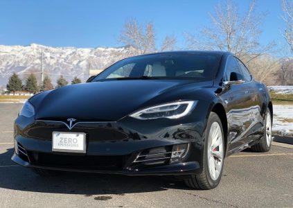 """Tesla Model S превратили в самый быстрый """"броневик"""" в мире, а также использовали для экстренных вызовов в частной пожарной службе"""