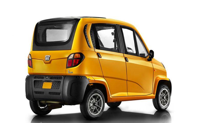 """В Украине собираются продавать """"самый дешевый автомобиль в мире"""" Bajaj Qute, представляющий собой четырехместный квадроцикл с закрытым кузовом"""