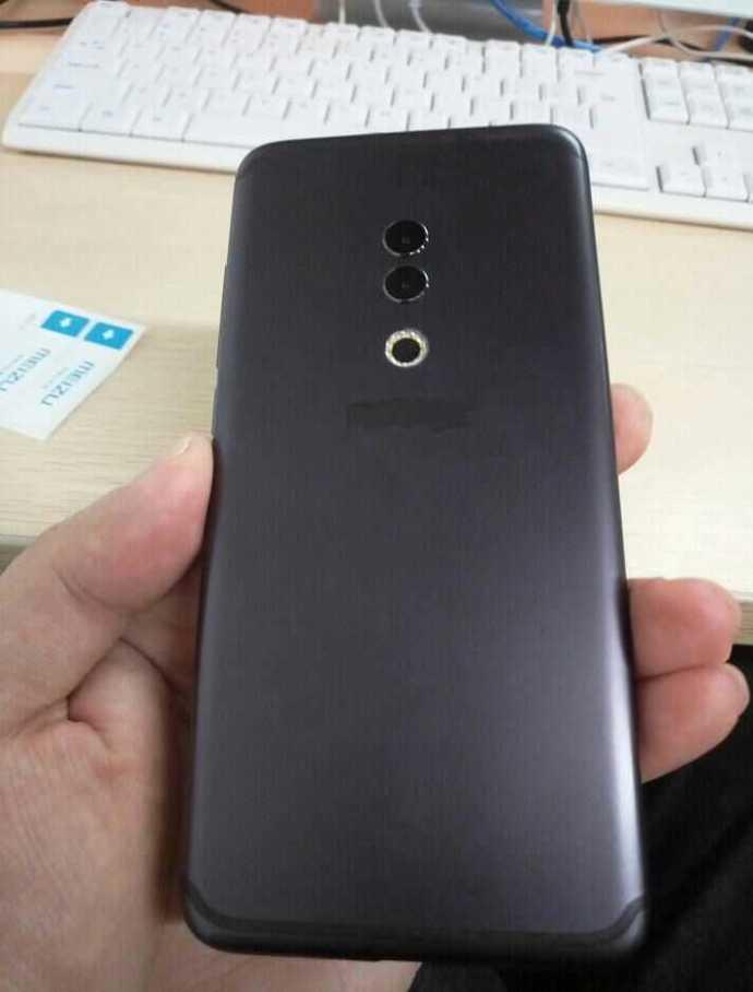 """""""Живые"""" фотографии смартфона Meizu 15 Plus демонстрируют отличное соотношение экрана к фронтальной панели и металлическую заднюю крышку"""