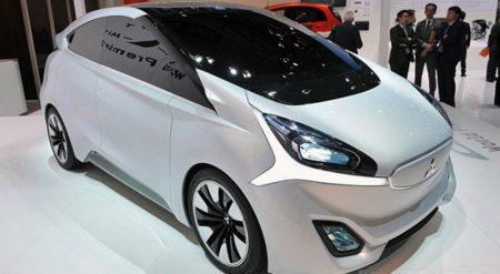 """Mitsubishi разработала интеллектуальную камеру заднего вида для """"беззеркальных"""" автомобилей, которая автоматически распознает пешеходов, мотоциклы, грузовики и т.д."""
