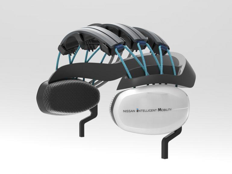 """Nissan разработала систему Brain-to-Vehicle, которая считывает """"мозговые волны"""" водителя, предугадывая его маневры и ускоряя время реакции автомобиля на них [CES 2018]"""