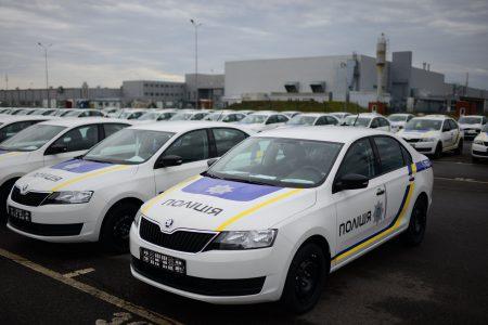 Национальная полиция Украины получила 400 патрульных автомобилей Skoda Rapid, собранных на украинском предприятии «Еврокар»