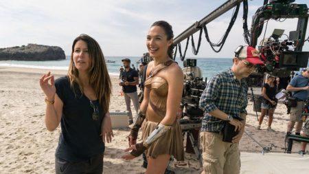 «Чудо-женщина 2» станет первым фильмом, который снимут по новым правилам предотвращения сексуальных домогательств, разработанным Гильдией продюсеров США