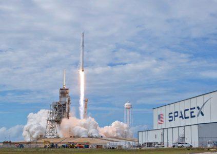 Сертификация SpaceX и Boeing для пилотируемых полётов, вероятнее всего, будет перенесена примерно на год