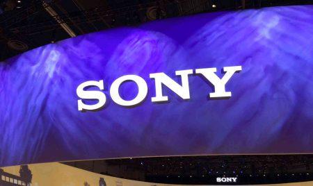 Sony не считает смартфоны технологией будущего, но покидать рынок не собирается, поскольку боится пропустить смену парадигм в телеком-отрасли