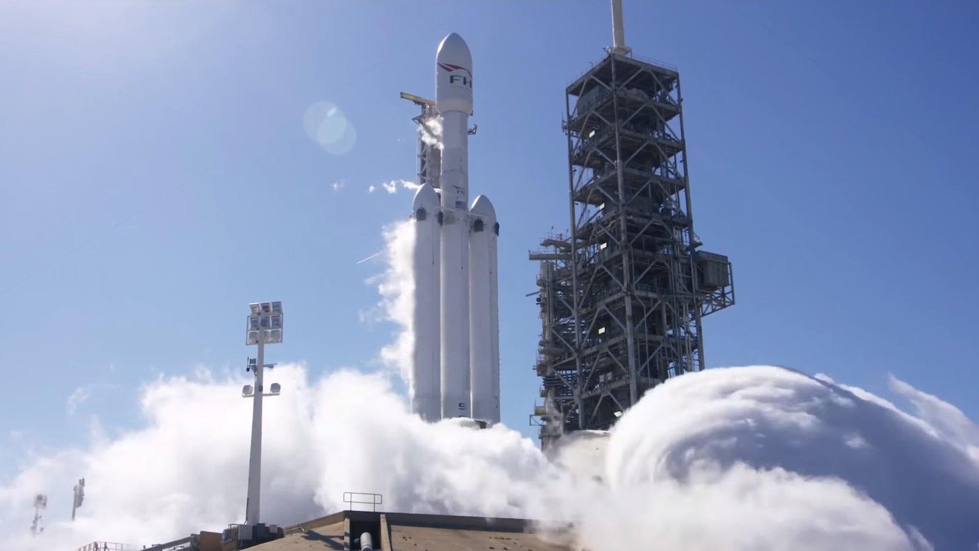 SpaceX рассчитывает выполнить первый запуск Falcon Heavy 6 февраля