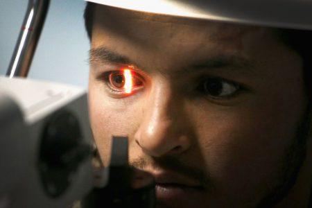 Алгоритмы ИИ Google теперь могут предсказывать сердечные заболевания, просто взглянув в глаза человека