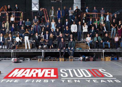 В честь 10-летия киновселенной Marvel Cinematic Universe студия собрала 80 актеров и авторов картин о супергероях на одном групповом фото [бонус — видео процесса]