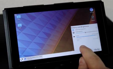 Хакеры превратили консоль Nintendo Switch в рабочий планшет на Linux