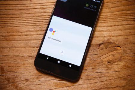 Google выпустила облегченную версию голосового ассистента Assistant