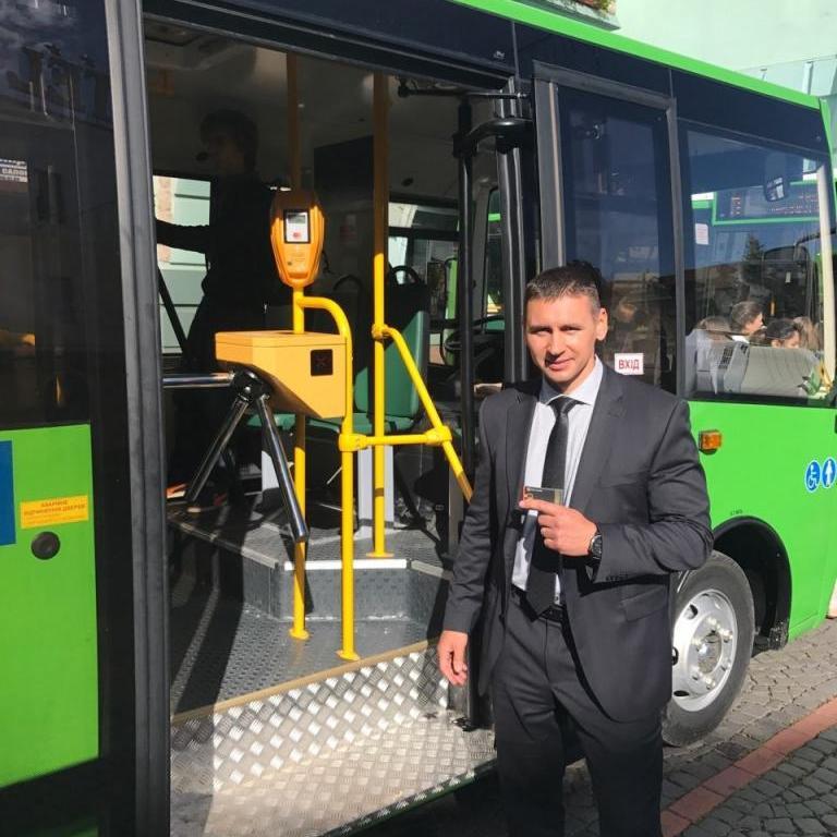Запуск электронного билета в Киеве перенесли с весны на осень 2018 года, зато валидаторами оснастят не только общественный транспорт, но и маршрутки
