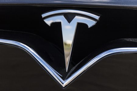 «Tesla сознательно продавала дефектные автомобили» [Исковое заявление]