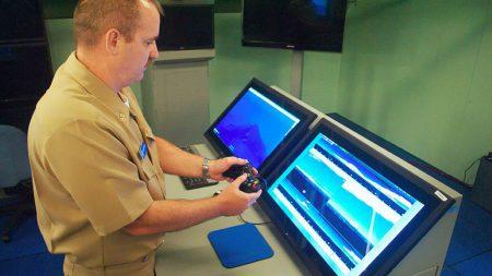 Новейшая атомная подлодка ВМФ США оснащается геймпадом от Xbox 360 (для управления «перископами»)