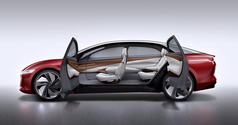 Volkswagen представил концепт электромобил¤ премиум-класса I.D. VIZZION с п¤тым уровнем автономности, мощностью 300 л.с. и запасом хода 665 км от батарей на 111 к¬тч