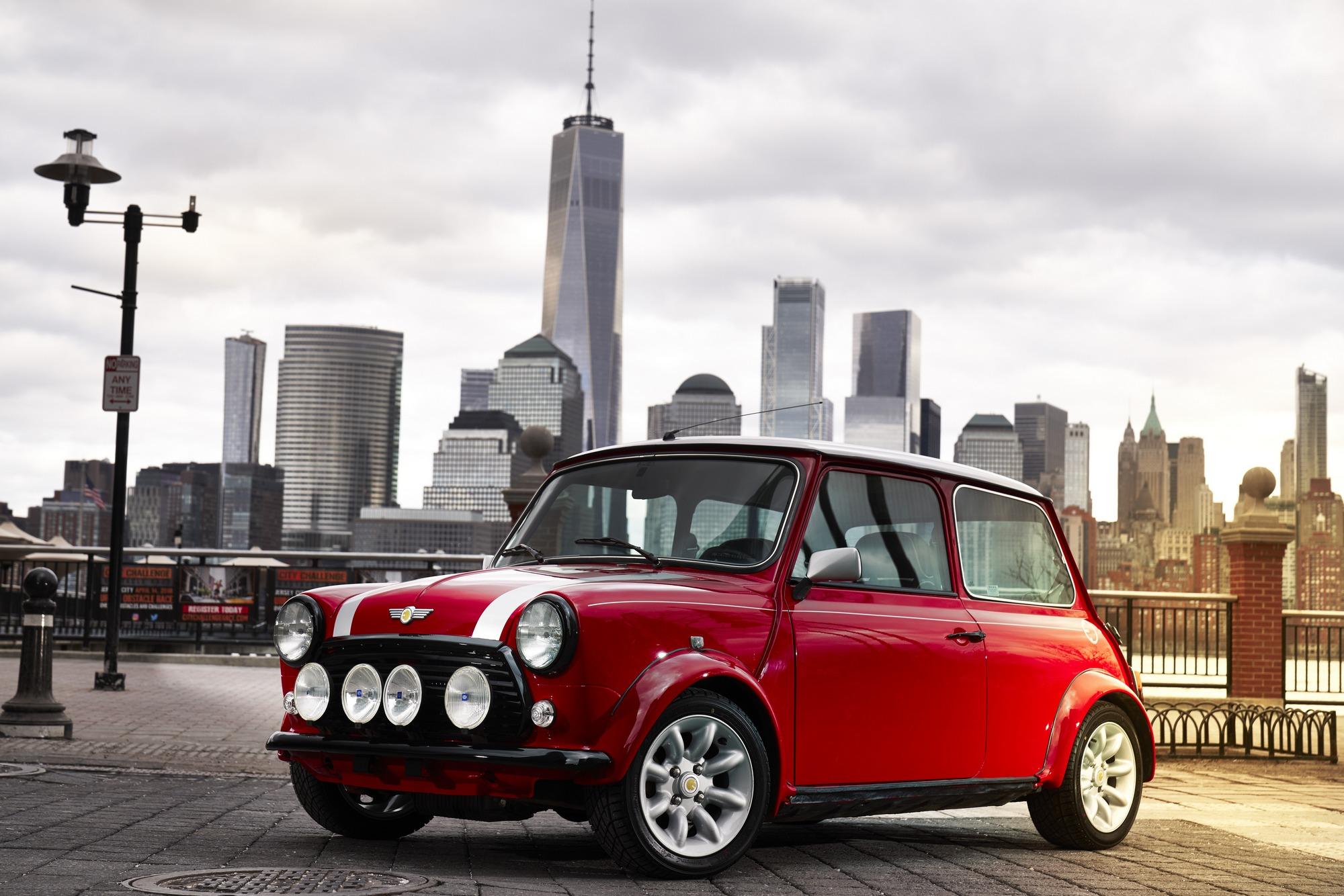 Мини вНью-Йорке презентует собственный электромобиль