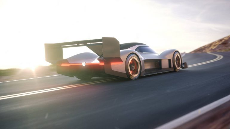 Volkswagen показал первые изображения спортивного электромобиля Volkswagen I.D. R, который примет участие в горной гонке Пайкс Пик