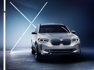 BMW представила свой первый электрокроссовер BMW Concept iX3 с мощностью 270 л.с., батареей 70 кВтч и запасом хода 400 км (серийная версия выйдет к 2020 году)