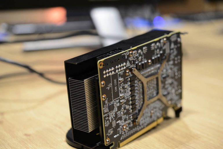 Не совсем обычная видеокарта Radeon RX Vega Nano в исполнении PowerColor засветилась на фотографиях