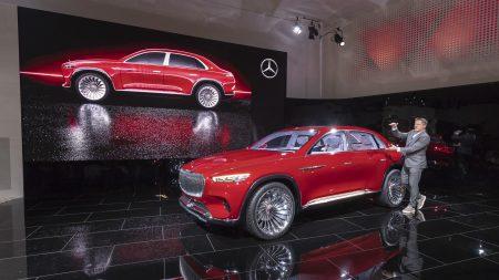 Ёлектрокроссовер премиум-класса Vision Mercedes-Maybach Ultimate Luxury представили официально: четыре двигател¤ мощностью 750 л.с., батаре¤ на 80 к¬тч с запасом хода 500 км иЕ чайник в салоне