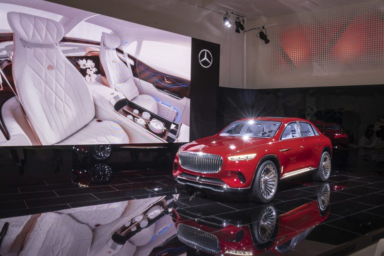 Электрокроссовер премиум-класса Vision Mercedes-Maybach Ultimate Luxury представили официально: четыре двигателя мощностью 750 л.с., батарея на 80 кВтч с запасом хода 500 км и... чайник в салоне - ITC.ua