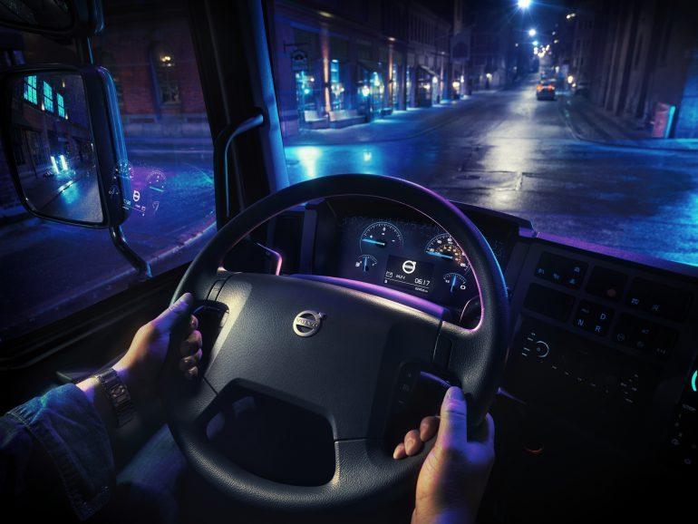 Volvo представила свой первый электрический грузовик Volvo FL Electric с батареей на 100-300 кВтч и запасом хода до 300 км