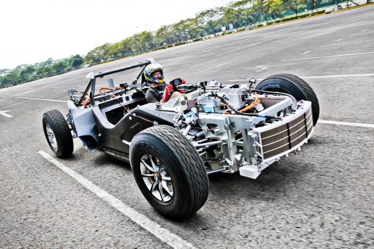 XING Mobility продемонстрировала дизайн и дорожные тесты своего электросуперкара Miss R стоимостью $1 млн с разгоном до «сотни» за 1,8 секунды [видео]