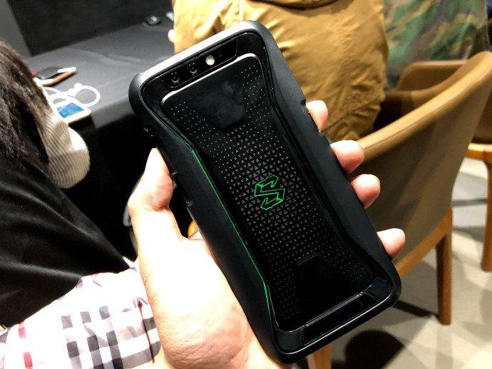 Назван срок выхода игрового телефона Asus ROG