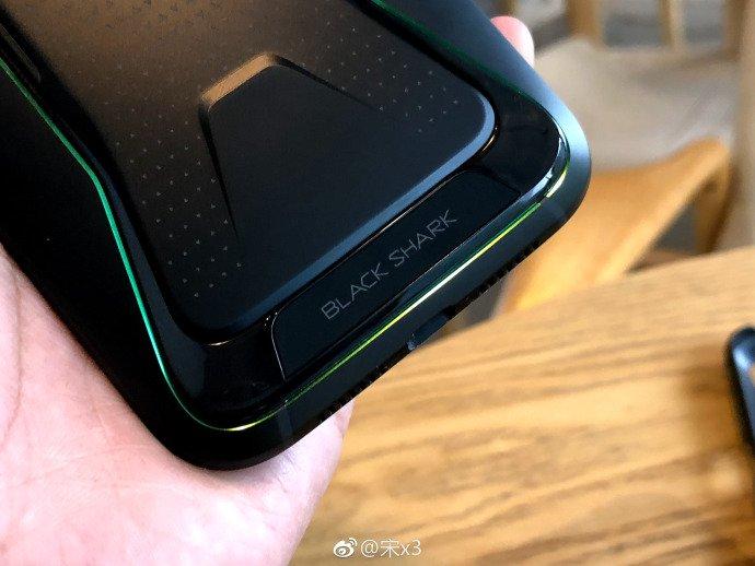 Игровой смартфон ASUS излинейки ROG получил дату выхода нарынок