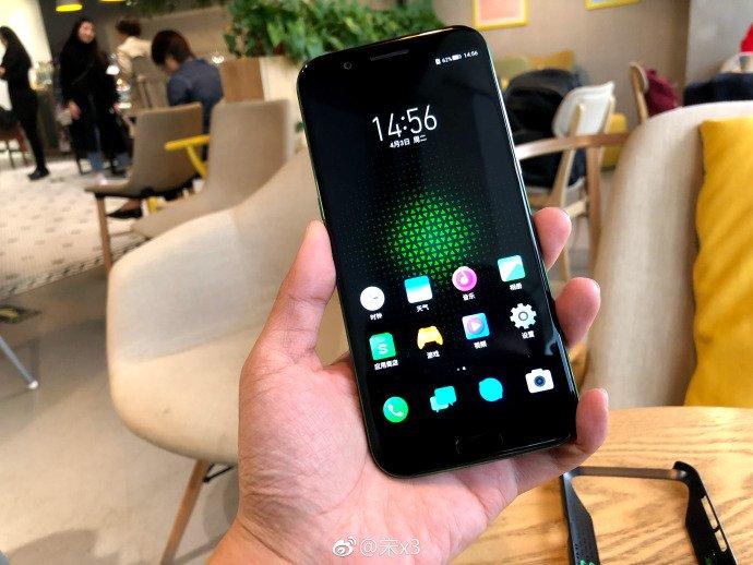 Asus готовит квыходу игровой смартфон ROG