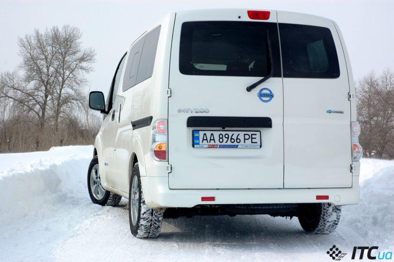 Тест-драйв Nissan e-NV200: электромобиль для большой семьи
