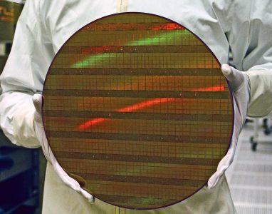 Intel отложила выпуск 10-нанометровых CPU до следующего года
