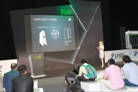 «До 8 гаджетов в радиусе 5 метров»: В Дубае показали в работе улучшенную версию украинской беспроводной зарядки Technovator XE