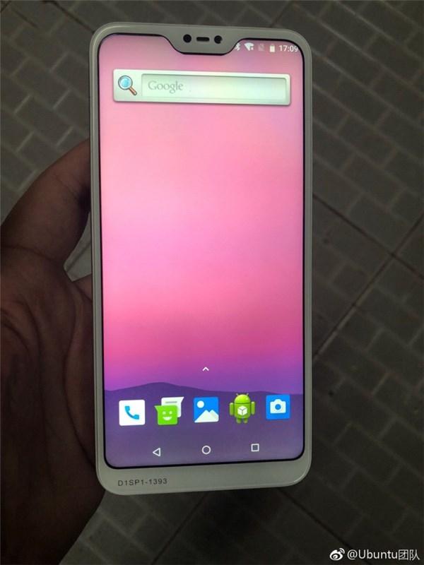 Предполагаемые живые фото Xiaomi Redmi 6 демонстрируют наличие выреза вверху экрана и сдвоенную основную камеру