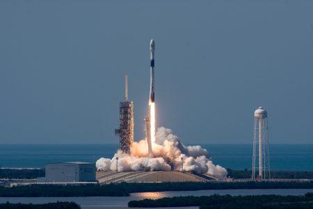 SpaceX выпустит еще 30-40 первых ступеней Falcon 9 для ~300 запусков в течение 5 лет, после чего перейдет на использование новых ракет BFR