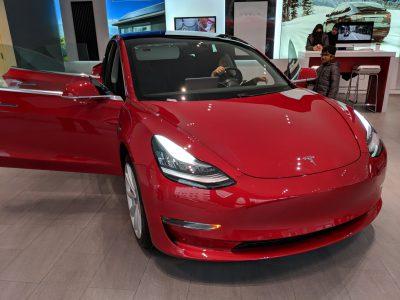 Tesla приступила к поставкам Model 3 за пределы США