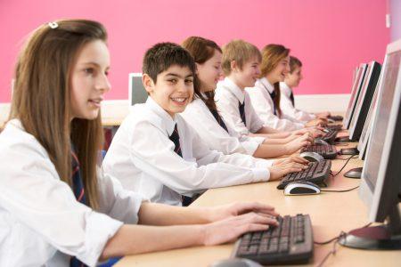 В этом году будут разработаны первые электронные учебники и курсы дистанционного обучения для украинских школьников