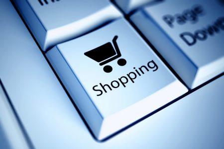 Исследование: более половины жителей крупных городов Украины делают покупки в интернете, самые популярные категории — электроника, одежда и косметика