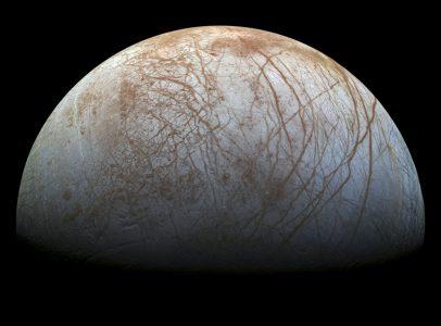Астрономы подтвердили наличие водяных гейзеров на Европе. Доказательства нашли в данных двадцатилетней давности!