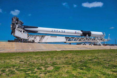 Послезавтра SpaceX впервые запустит новейшую модификацию ракеты Falcon 9 Block 5, которая будет использоваться для будущих пилотируемых полетов