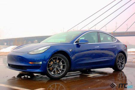 Tesla обновлением прошивки улучшила тормоза Model 3. Consumer Reports передумала и теперь рекомендует электромобиль к покупке