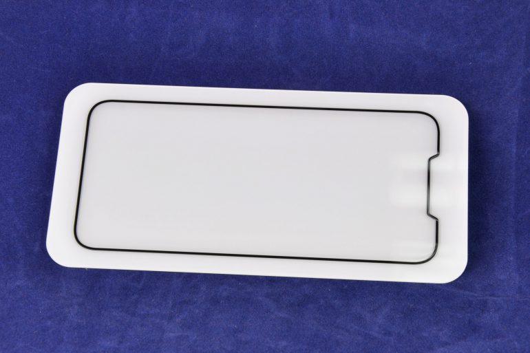 Производитель чехлов Olixar опубликовал рендер будущего смартфона iPhone SE 2 с безрамочным дизайном и «челкой»