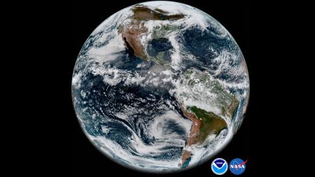 Изображение дня: Земля «глазами» самого передового американского метеоспутника GOES-17