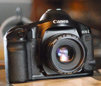 Canon прекращает продажи своей последней пленочной фотокамеры
