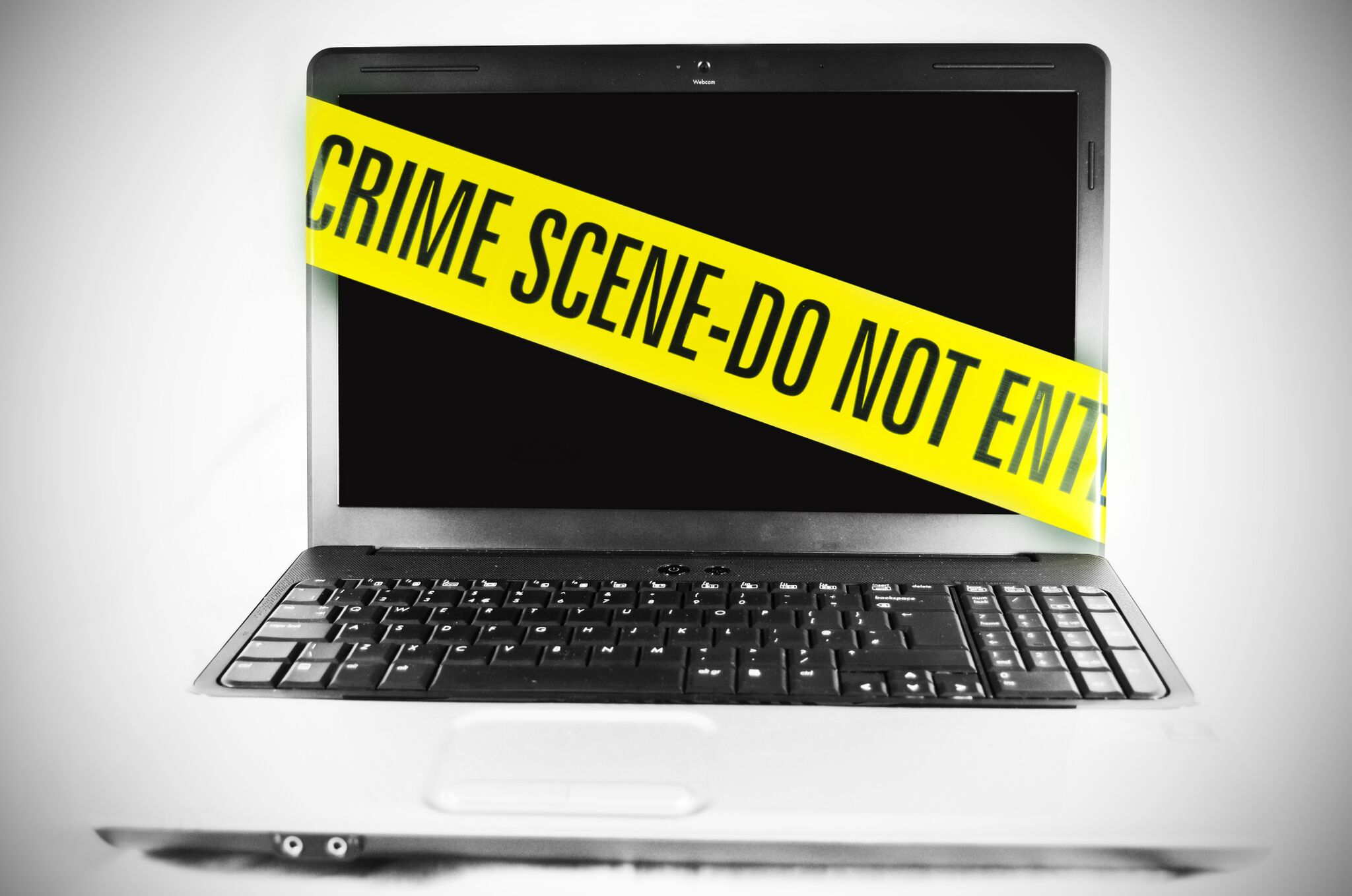Полицейские задержали мариупольского хакера, зарабатывавшего при помощи  чужих компьютеров