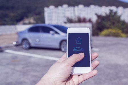 Car Connectivity Consortium представил первую версию стандарта Digital Key, который в перспективе позволит открывать любые автомобили любыми смартфонами
