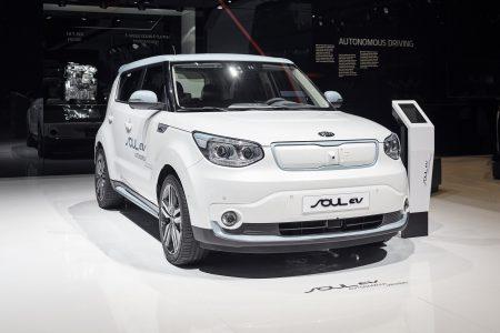 В Европе останется только электрическая версия кроссовера Kia Soul EV, бензиновый вариант снят с продаж